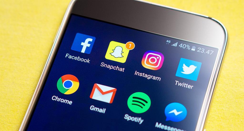 mobile for social media