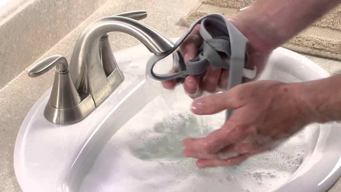 CPAP equipment manually cleaning
